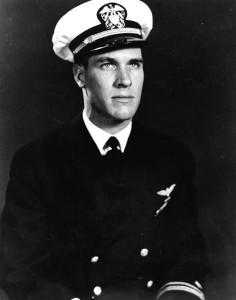 https://en.wikipedia.org/wiki/Thomas_J._Hudner,_Jr.#/media/File:Thomas_J_Hudner_1950.jpg
